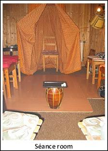(c)felix2010-seance_room